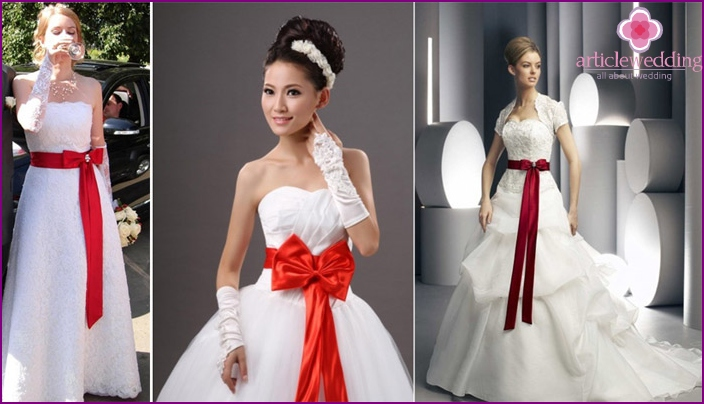 Wedding dress with ribbon at the waist