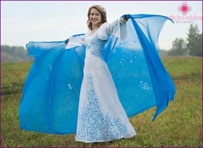 Blue wedding dress in the Slavic style