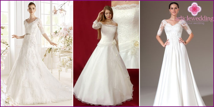 Model A-line with delicate sleeves for wedding