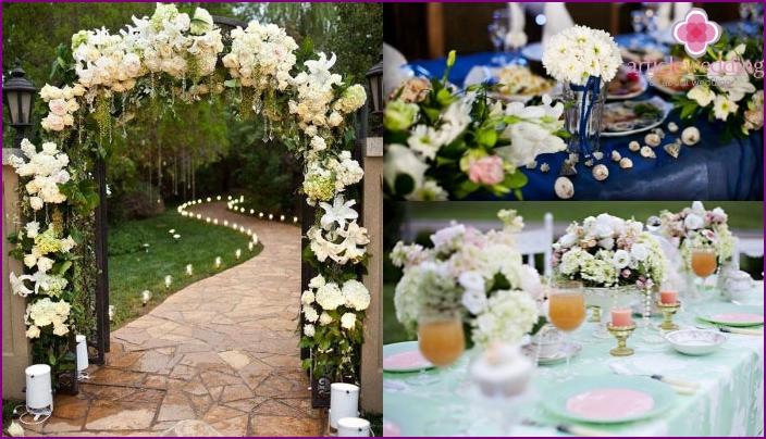 Lisianthus in a wedding decoration