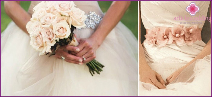 Bouquets for bride dresses ivory color