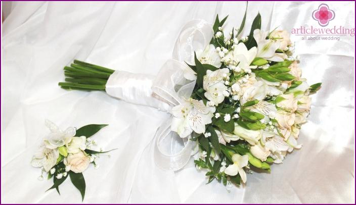 Alstromerias with roses
