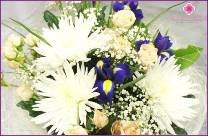 Flower Bride accessory of chrysanthemums and irises