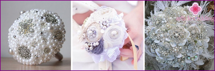 White wedding bouquet-brooch