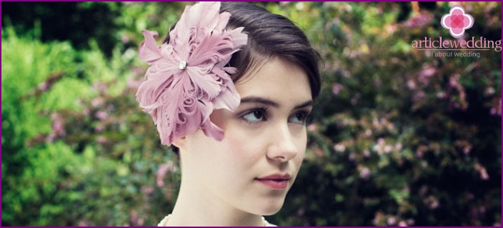 Wedding hairstyle with flower