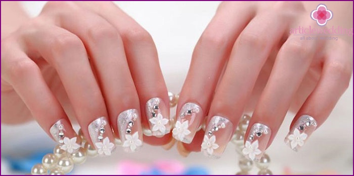 Decor flowers wedding manicure