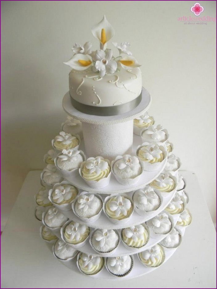 Trendy wedding cake-cake