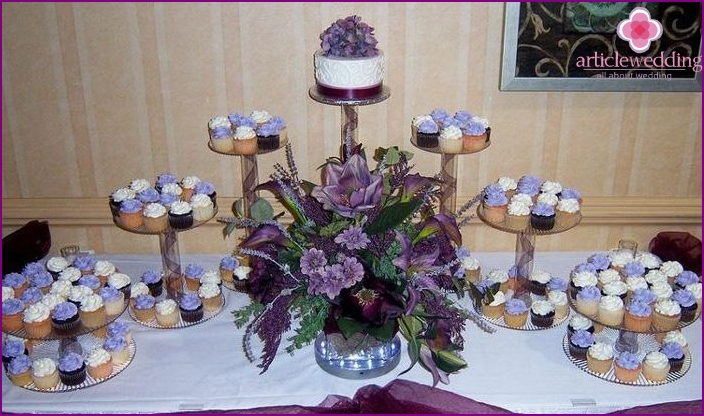 Original cakes and cakes for weddings
