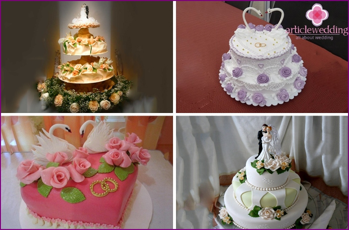 Cakes with figurines and flowers