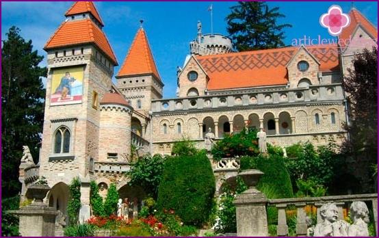 Castle eternal love in Hungary