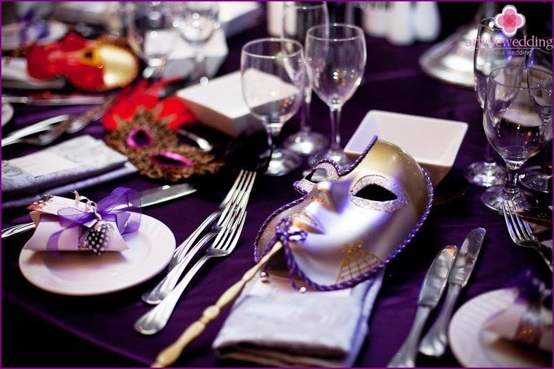 Masquerade style wedding decoration