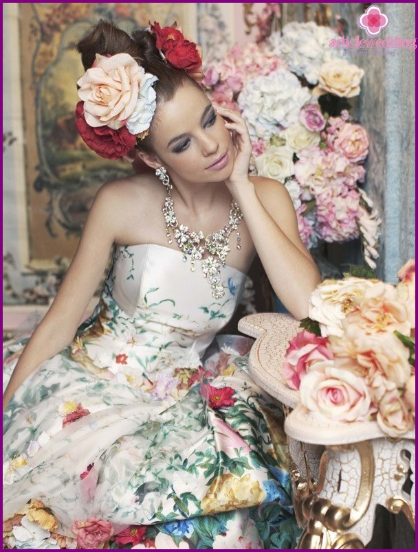 Dress with bright floral print