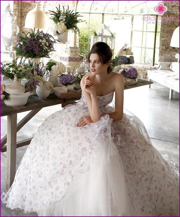 Bright print on the bride's dress