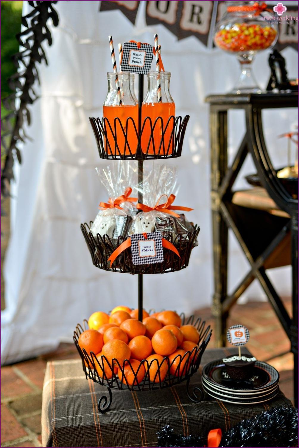 Candybar at the tangerine wedding