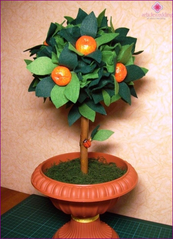 Tangerine tree for wedding decor