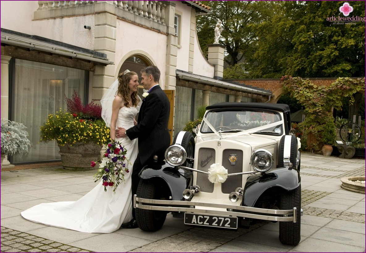 Retro cars for a wedding