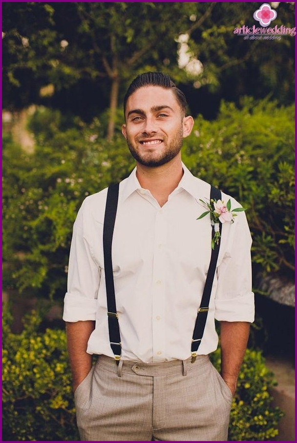 Tie and vest for the groom