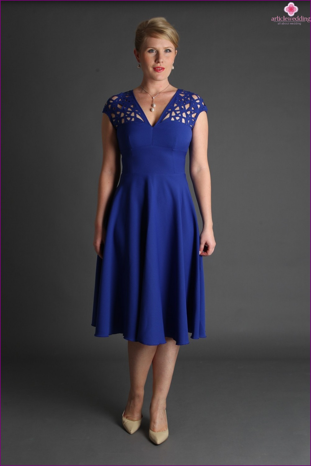 Dress with neckline