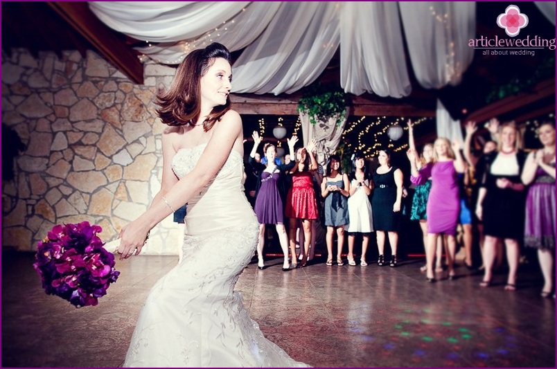 Throwing a bouquet