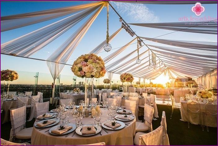 Roof wedding organization