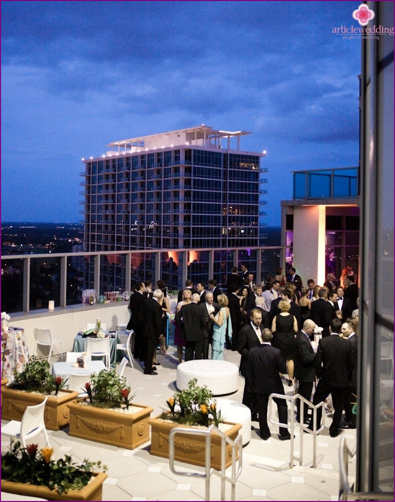 Reception on the roof