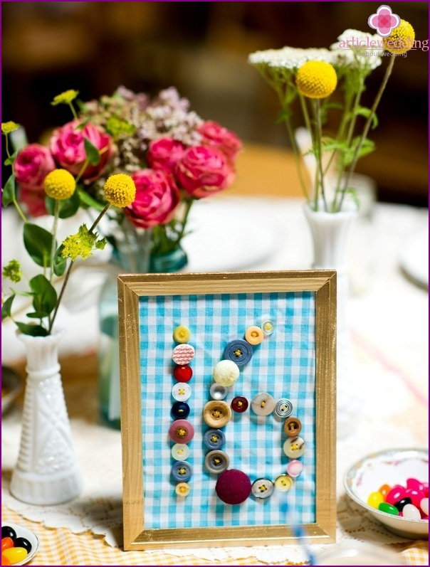 Button table number