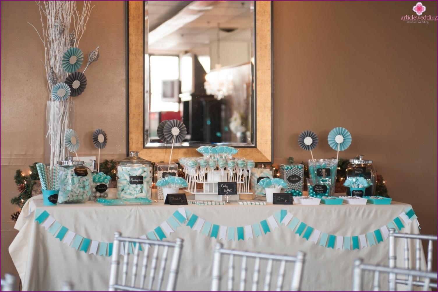Fans in a wedding decor