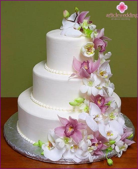 A wedding cake is not just a dessert