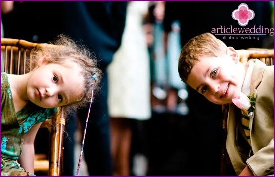 Children at the wedding