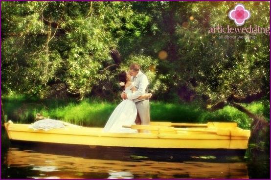Water wedding photo shoot