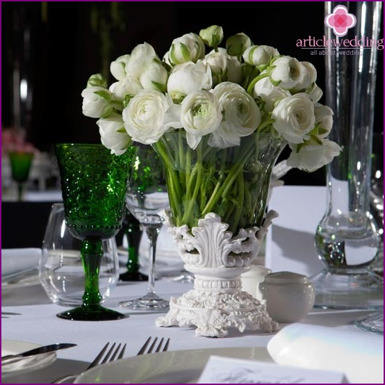 Vase as a wedding table decoration