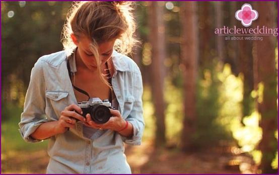 Girl chooses a photo