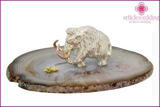 Agate figurine