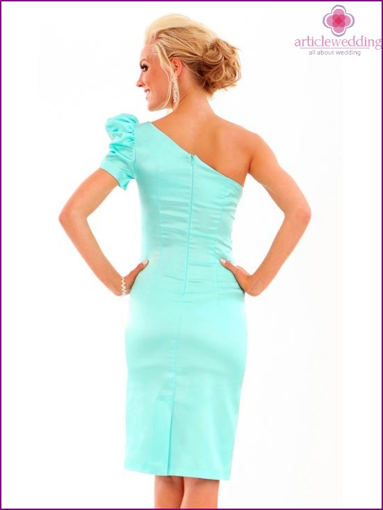 Beautiful mint dress for the bride