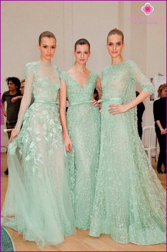 Long dresses for the bride in mint color