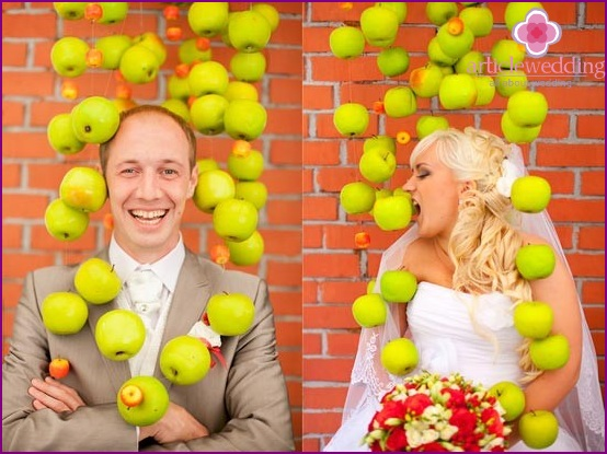 Photoshoot using apples
