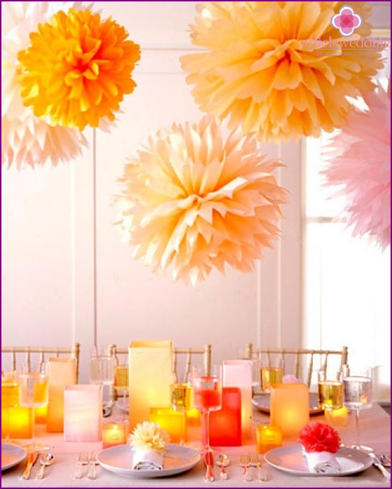 Wedding decor with colored paper balls
