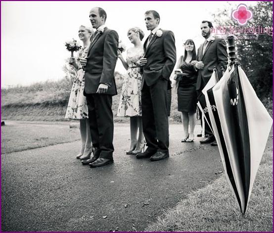 Wedding photography with a cane umbrella