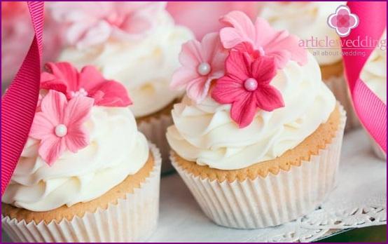 Small wedding cake