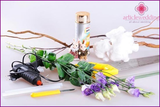 Materials for making an umbrella with flowers