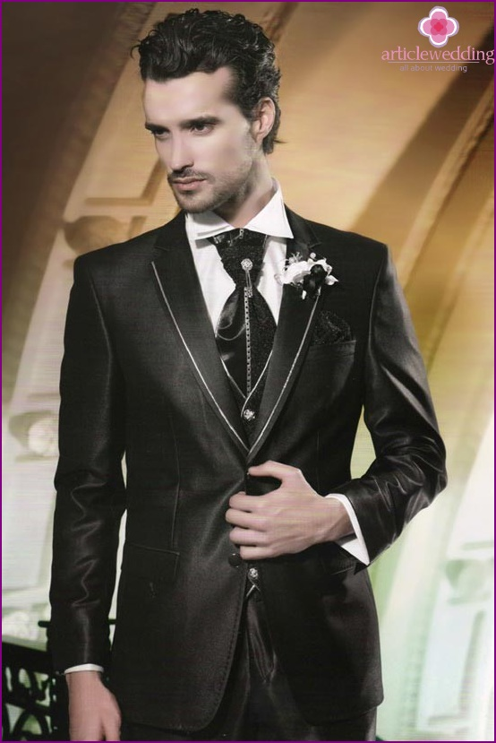 Wedding suit in black and white