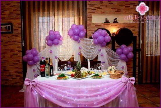Lilac banquet table decoration