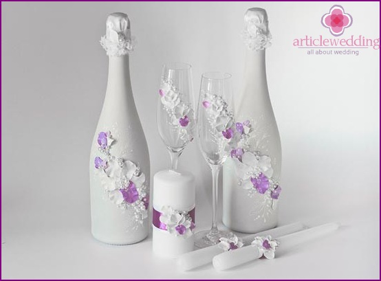 Bottle design in lilac and white