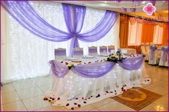 The combination of lilac and white