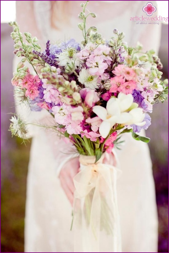Provence style wedding bouquet