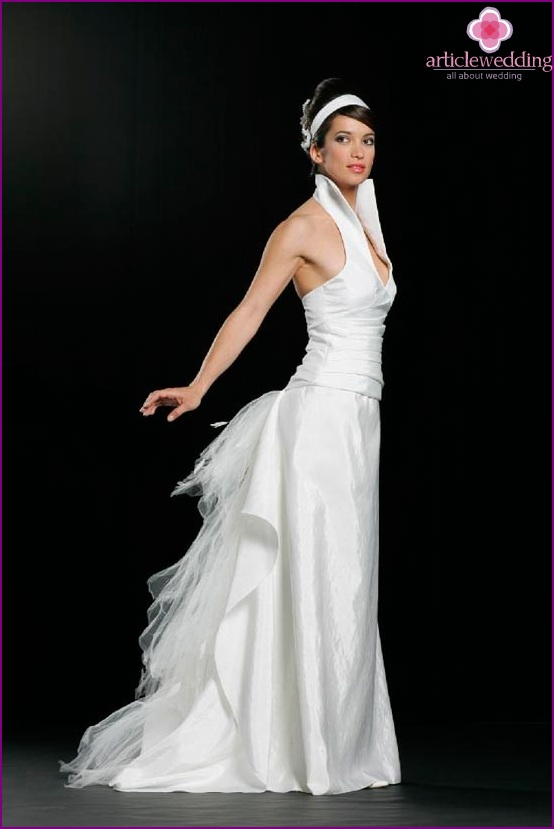 Long jazz style wedding dress