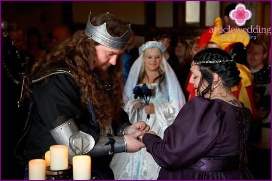 Die Braut und der Bräutigam in einem ritterlichen Bild