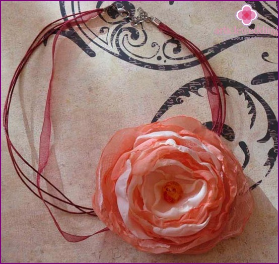 Flower decoration on the neck