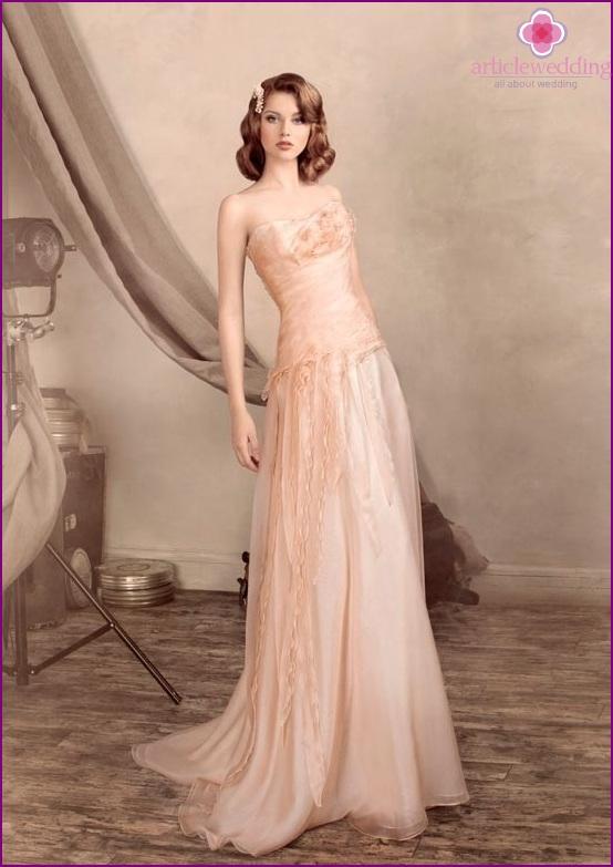 Retro style peach wedding dress