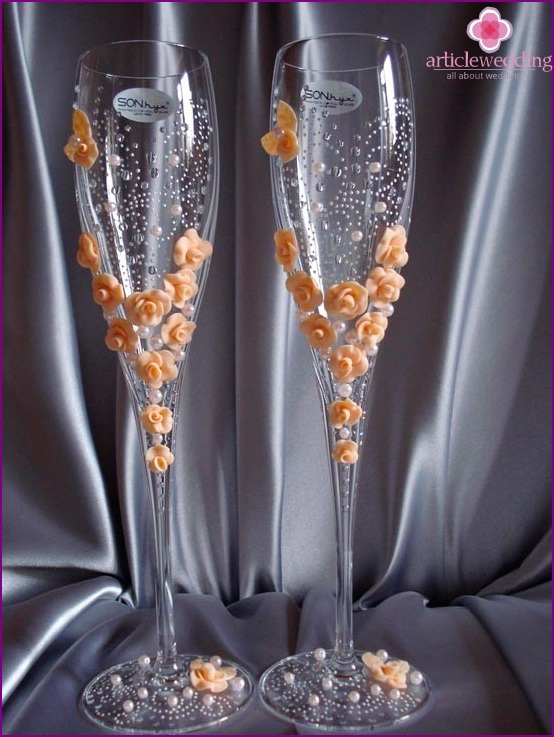 Bridal glasses with peach flowers and beads